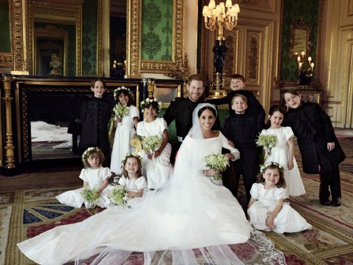 https: img-z.okeinfo.net content 2018 05 28 481 1903810 janggal-seorang-bridemaids-pernikahan-harry-meghan-tak-pegang-buket-bunga-kesalahan-z8AGKA35yq.jpg