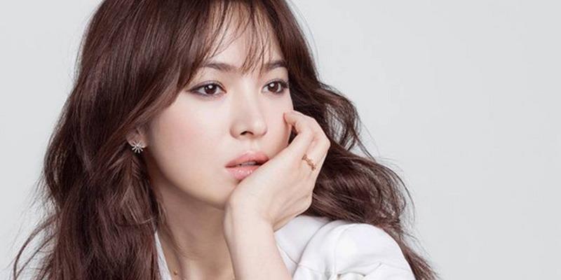 https: img-z.okeinfo.net content 2018 05 29 598 1903995 song-hye-kyo-dan-park-bo-gum-bakal-jadi-kekasih-di-drama-boyfriend-zexNVqcLkn.jpg