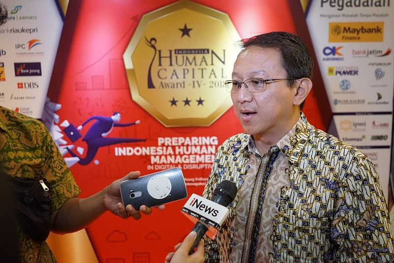 https: img-z.okeinfo.net content 2018 05 30 320 1904354 mnc-bank-raih-penghargaan-indonesia-human-capital-award-prcxu8NnND.jpg