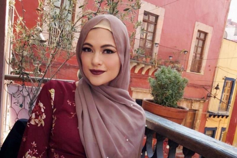 https: img-z.okeinfo.net content 2018 06 03 196 1905899 kisah-hijrah-perempuan-cantik-meksiko-alasannya-berhijab-penuh-perjuangan-P8wg6STwIT.jpg