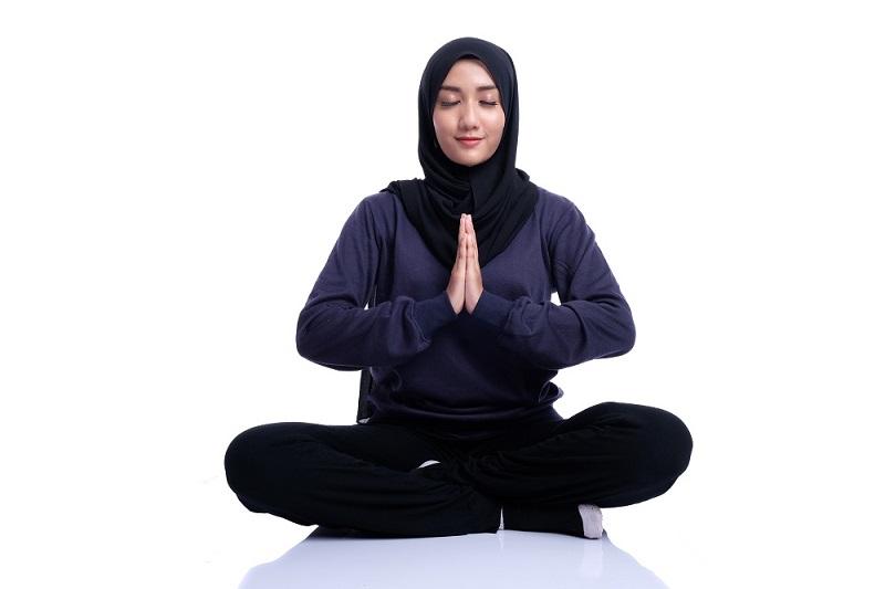 https: img-z.okeinfo.net content 2018 06 04 481 1906296 ngabuburit-dengan-yoga-bikin-badan-dan-pikiran-lebih-sehat-hilangkan-depresi-juga-GDYFswfAqR.jpg