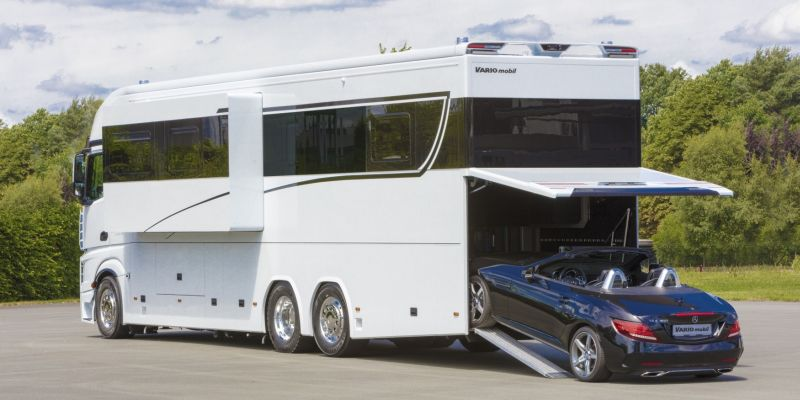 https: img-z.okeinfo.net content 2018 06 06 15 1907314 layaknya-rumah-bus-ini-miliki-ruang-mewah-garasi-mobil-ZwYVKI6W8Y.jpg
