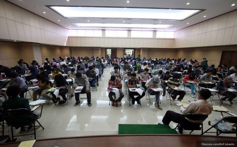 https: img-z.okeinfo.net content 2018 06 06 65 1907428 universitas-ahmad-dahlan-masuk-top-ten-perguruan-tinggi-indonesia-raeGAVbvZu.jpg