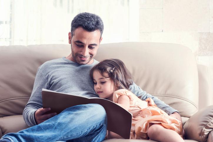 https: img-z.okeinfo.net content 2018 06 07 196 1907995 ingin-lebih-dekat-dengan-anak-para-ayah-harus-lakukan-ini-ESDPf96iy8.jpg