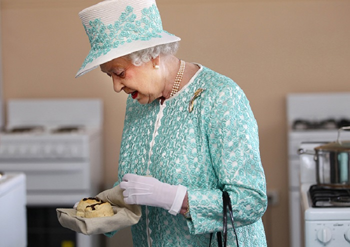 https: img-z.okeinfo.net content 2018 06 07 298 1907858 lowongan-koki-pastry-istana-dibuka-ini-syarat-ajaib-dari-ratu-elizabeth-ii-AzrvI3BmZT.jpg