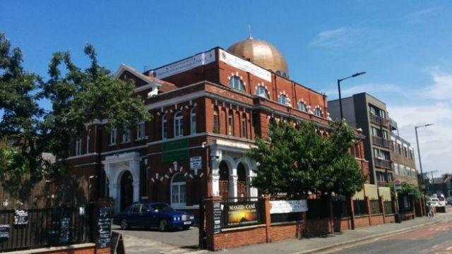 https: img-z.okeinfo.net content 2018 06 12 18 1909504 pimpinan-masjid-di-london-tegaskan-bitcoin-boleh-untuk-zakat-58EiDFYJiI.jpg
