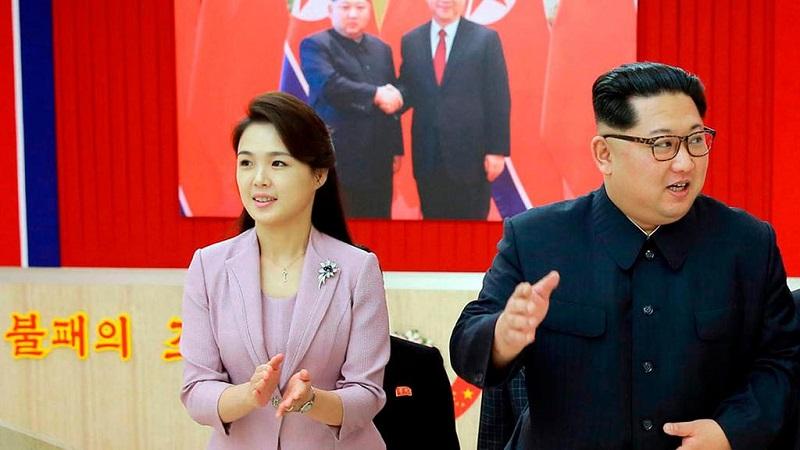 https: img-z.okeinfo.net content 2018 06 12 194 1909558 5-gaya-tampilan-istri-kim-jong-un-yang-sederhana-tapi-super-elegan-CDsIvon7AV.jpg