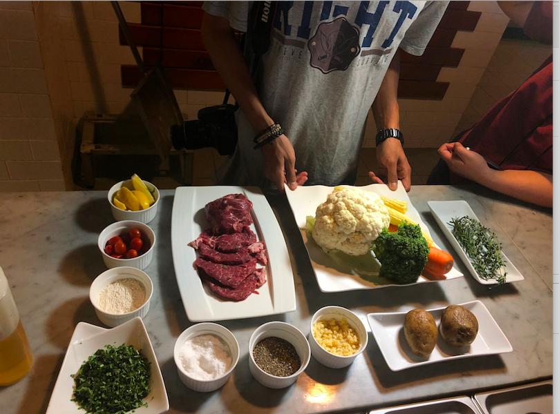 https: img-z.okeinfo.net content 2018 06 12 298 1909735 menyantap-steak-tenderloin-ala-timur-tengah-resto-di-hotel-ini-sajikan-shavhat-moutasaya-with-lemon-and-garlic-Emta0fE8MI.png