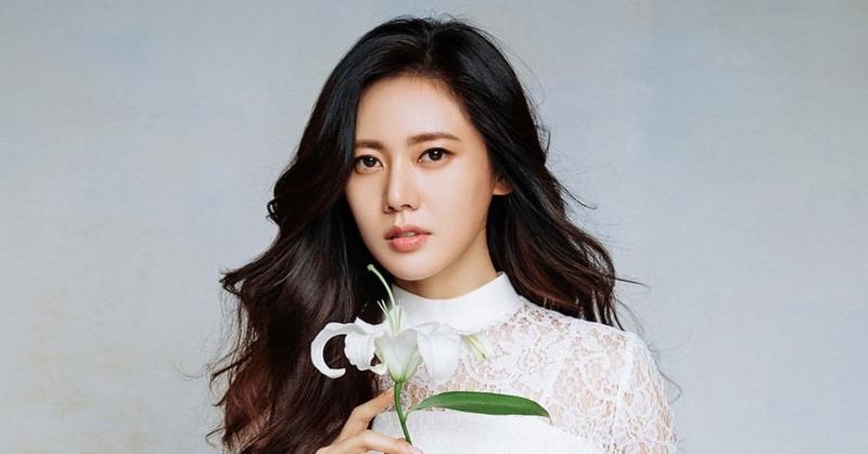 https: img-z.okeinfo.net content 2018 06 13 33 1909871 cinta-beda-negara-6-artis-korea-ini-menikah-dengan-bule-sl062vWNxo.jpg