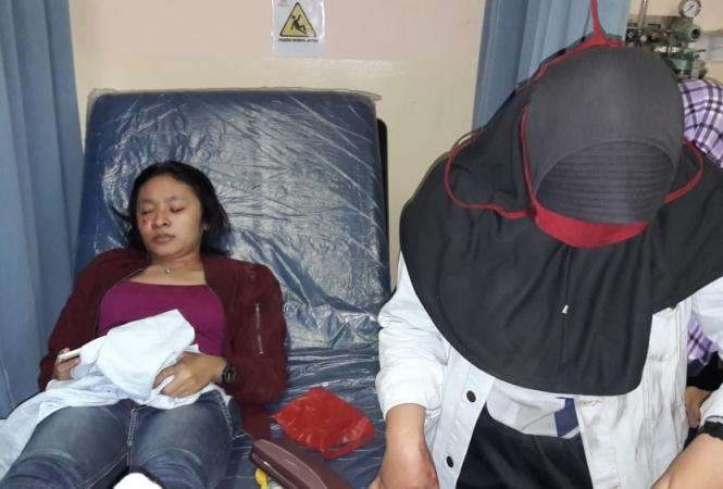 https: img-z.okeinfo.net content 2018 06 13 338 1910241 dua-pemudik-wanita-masuk-rumah-sakit-dipepet-pencopet-di-bekasi-6r8Ta3u59Q.jpg
