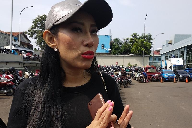 https: img-z.okeinfo.net content 2018 06 19 33 1911545 dewi-sanca-kritik-netizen-berhijab-yang-kerap-membully-GQeMO1aoMH.jpg