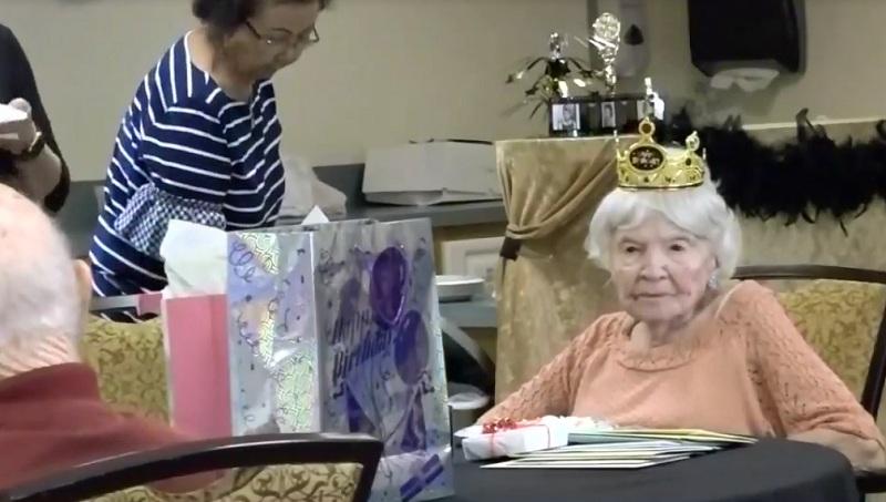 https: img-z.okeinfo.net content 2018 06 21 481 1912172 nenek-ini-bocorkan-rahasia-umur-panjang-hingga-105-tahun-BbR1yQBKsk.jpg