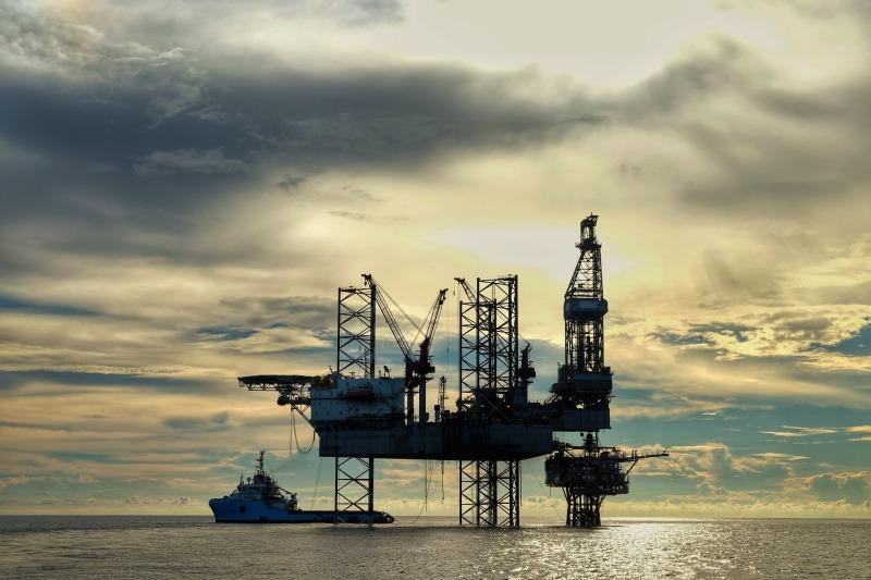 https: img-z.okeinfo.net content 2018 06 29 320 1915525 harga-minyak-naik-di-tengah-kekhawatiran-sanksi-as-Ishcwn4ASz.jpg