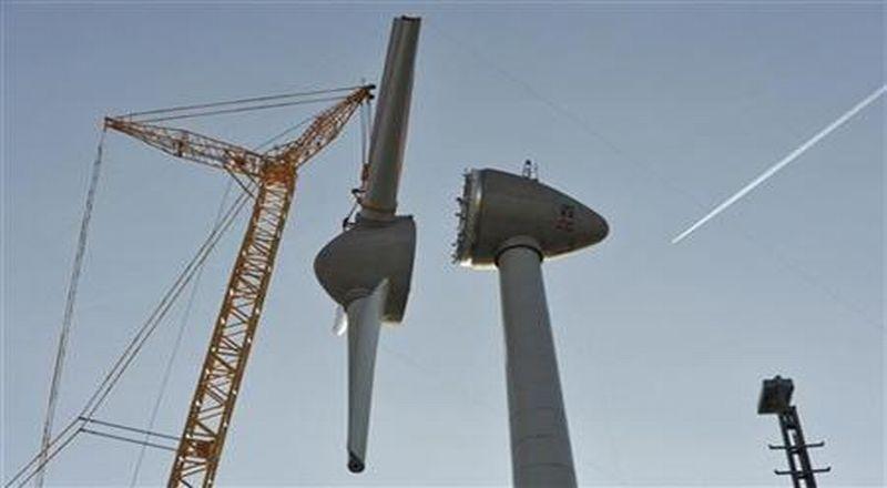 https: img-z.okeinfo.net content 2018 07 02 320 1916481 diresmikan-jokowi-ri-miliki-pembangkit-listrik-tenaga-angin-terbesar-di-asean-gsVonxbuiC.jpg