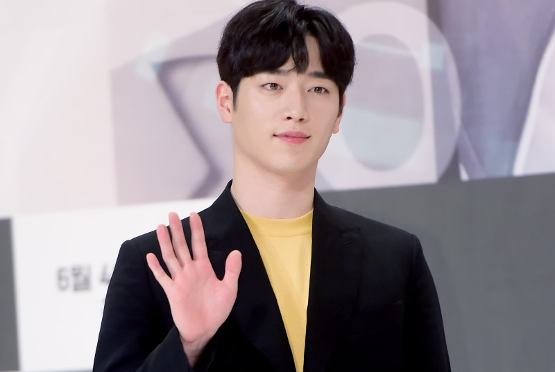 https: img-z.okeinfo.net content 2018 07 05 598 1918317 seo-kang-joon-pastikan-comeback-lewat-drama-the-third-charm-BrMBW1Si3j.jpg