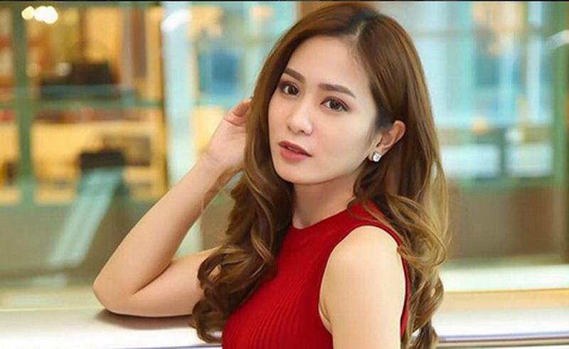 https: img-z.okeinfo.net content 2018 07 06 33 1918884 banyak-aktris-baru-bunga-zainal-pilih-fokus-bisnis-uj71kjWynn.jpg