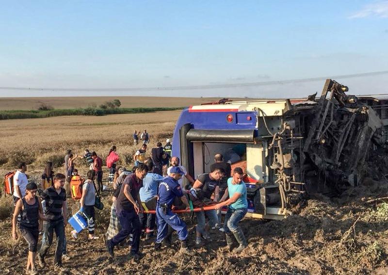 https: img-z.okeinfo.net content 2018 07 09 18 1919936 kecelakaan-kereta-di-turki-tewaskan-sedikitnya-24-orang-dan-lukai-ratusan-lainnya-iNX9nS8TpS.jpg