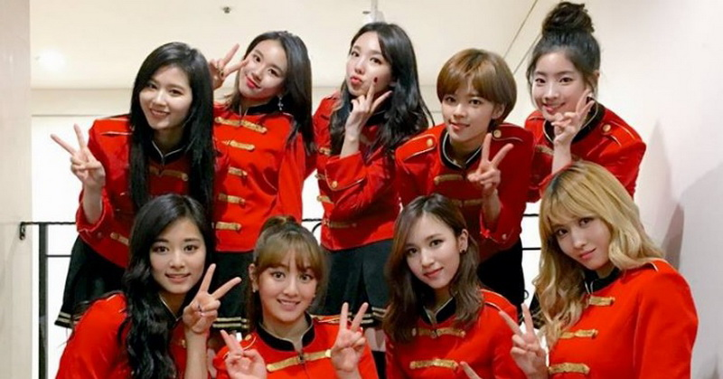 https: img-z.okeinfo.net content 2018 07 09 205 1920029 resmi-comeback-twice-rilis-video-klip-dance-the-night-away-DlMGfERJI8.jpg