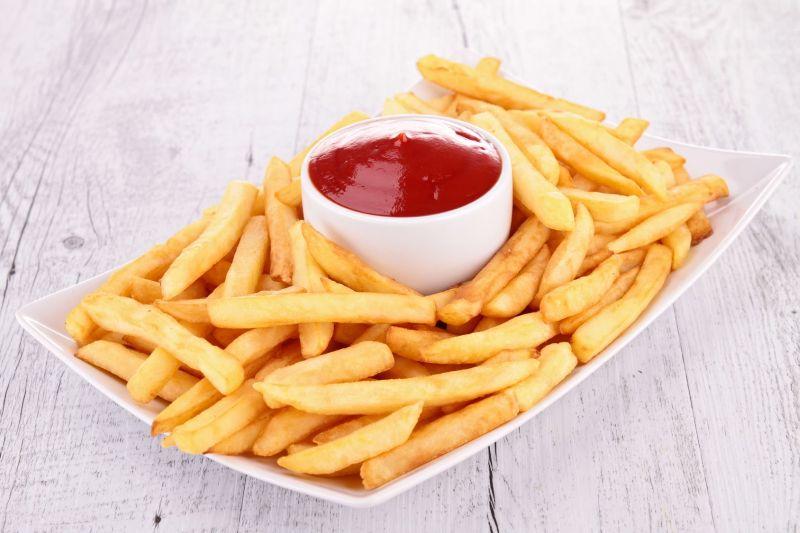 https: img-z.okeinfo.net content 2018 07 11 298 1920897 membuat-kentang-goreng-rumahan-serenyah-di-restoran-PzeLEom9j8.jpg