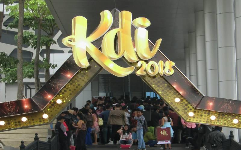 https: img-z.okeinfo.net content 2018 07 14 205 1922302 tiba-di-jakarta-audisi-kdi-2018-diserbu-ribuan-peserta-veEfbPPwjZ.jpg