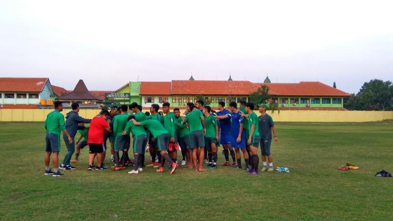 https: img-z.okeinfo.net content 2018 07 14 51 1922270 timnas-indonesia-u-19-siap-balas-kekalahan-dari-thailand-untuk-rebut-juara-tiga-K0B17hqve7.jpg