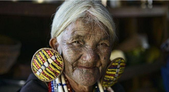 https: img-z.okeinfo.net content 2018 07 19 406 1924397 tradisi-mentato-wajah-perempuan-myanmar-yang-mulai-luntur-tergerus-zaman-sCEXglXGt6.jpg