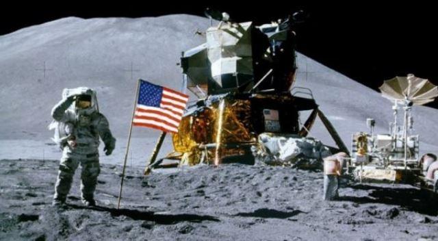 https: img-z.okeinfo.net content 2018 07 22 18 1925832 bertikai-dengan-anak-anaknya-mantan-astronot-nasa-tak-hadiri-gala-50-tahun-pendaratan-di-bulan-eciM5gAMIF.jpg