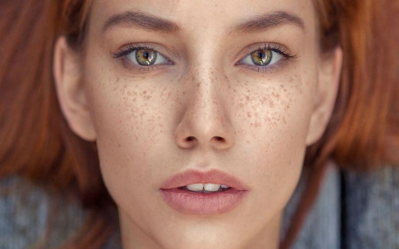 https: img-z.okeinfo.net content 2018 07 24 194 1926463 titi-kamal-luna-maya-hingga-chelsea-islan-ikutan-tren-make-up-freckles-lebih-cantik-siapa-upkSUz7Ou1.jpg