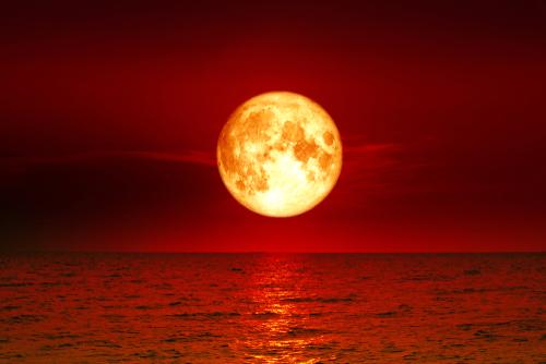https: img-z.okeinfo.net content 2018 07 27 56 1928299 bmkg-gerhana-bulan-total-berpotensi-tingkatkan-gelombang-air-laut-4weLgvupRQ.jpg