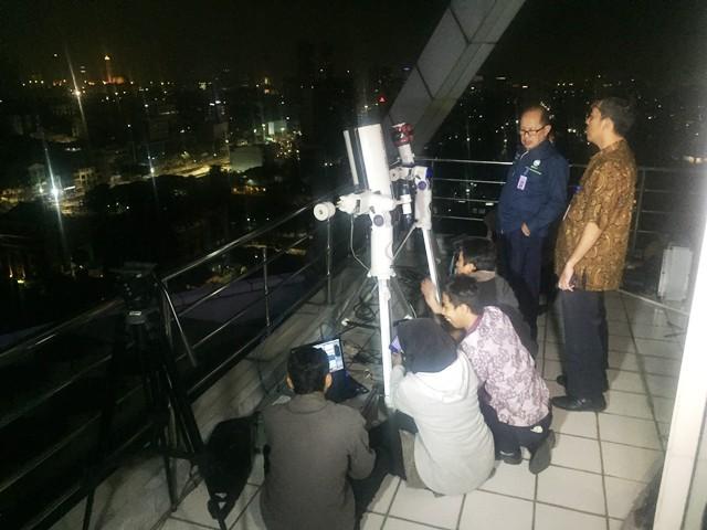 https: img-z.okeinfo.net content 2018 07 28 337 1928504 bmkg-pantau-gerhana-bulan-total-dari-24-titik-di-indonesia-37vFNxdZNT.jpg