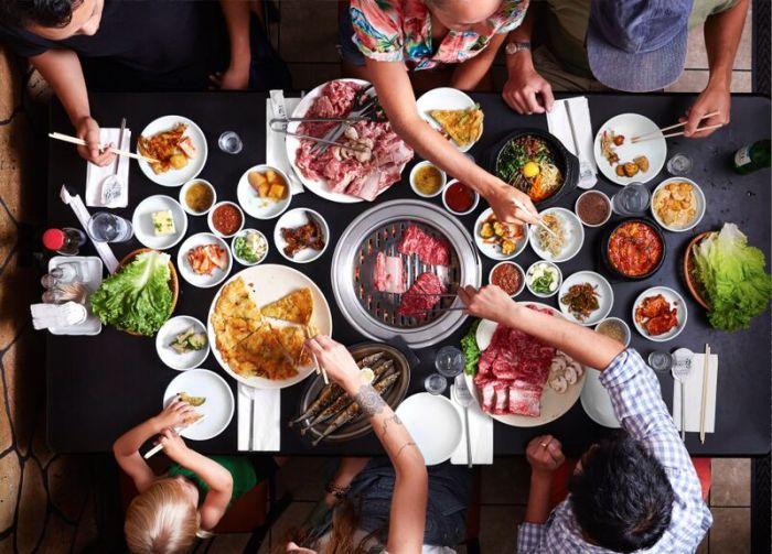 https: img-z.okeinfo.net content 2018 08 02 298 1930836 5-restoran-korea-enak-dan-halal-di-jakarta-nTtO3hznbN.jpg