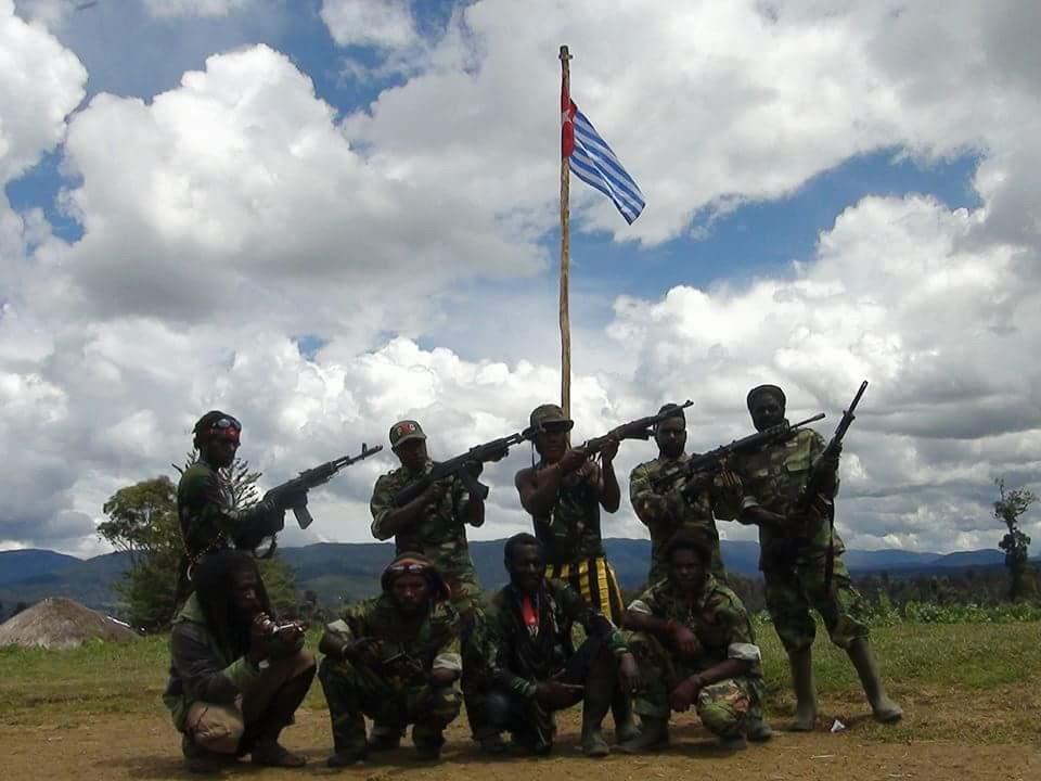https: img-z.okeinfo.net content 2018 08 06 340 1932555 3-senjata-tni-dirampas-kelompok-bersenjata-di-papua-wV2ZGKprJn.jpg