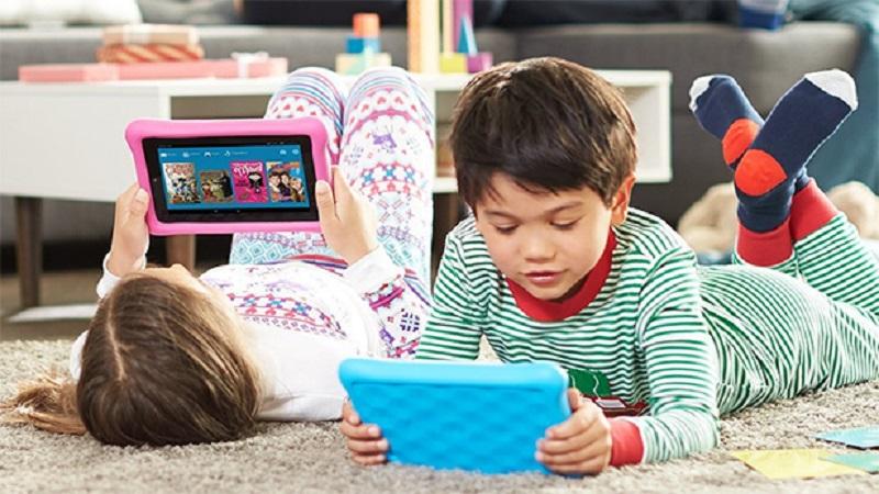 https: img-z.okeinfo.net content 2018 08 07 481 1932946 media-sosial-membuat-anak-anak-memiliki-mental-usia-3-tahun-n53aYWrG3i.jpg
