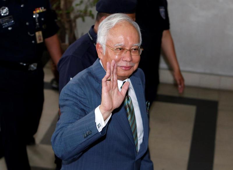 https: img-z.okeinfo.net content 2018 08 08 18 1933399 pengadilan-malaysia-jatuhkan-tiga-tuntutan-pencucian-uang-terhadap-najib-razak-GUVS9XIuiK.jpg
