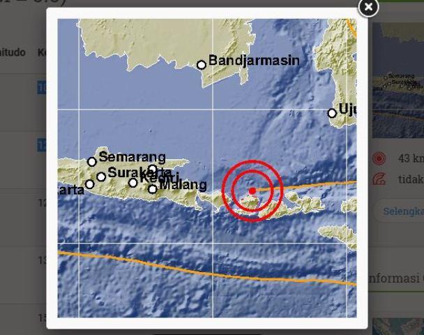 https: img-z.okeinfo.net content 2018 08 10 340 1934960 gempa-susulan-5-sr-kembali-guncang-lombok-malam-ini-YRndBOqDal.jpg