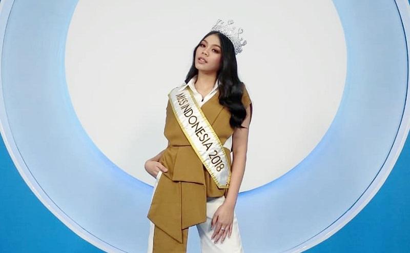 https: img-z.okeinfo.net content 2018 08 12 196 1935503 cerita-di-balik-bakat-terpendam-miss-indonesia-2018-alya-nurshabrina-di-bidang-lukis-OOLCMgenYn.jpg