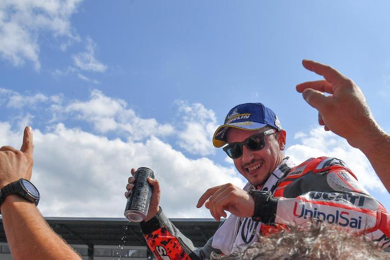 https: img-z.okeinfo.net content 2018 08 12 38 1935547 lorenzo-motogp-austria-2018-balapan-terbaik-saya-Bsfbdn2EYW.jpg