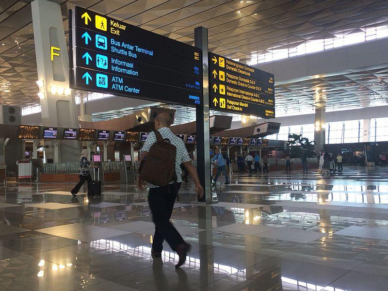 https: img-z.okeinfo.net content 2018 08 13 320 1935658 lewat-video-jokowi-pamer-pembangunan-bandara-baru-yang-lebih-luas-dan-megah-Vpmt8kagbz.jpg