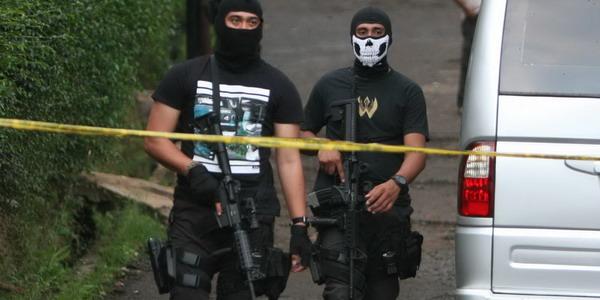 https: img-z.okeinfo.net content 2018 08 13 340 1935969 polisi-5-terduga-teroris-sumbar-jaringan-jad-oJ320IUzZK.jpg