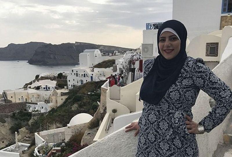 https: img-z.okeinfo.net content 2018 08 27 406 1942131 traveler-ini-buktikan-hijab-bukan-penghalang-untuk-keliling-dunia-XRVGBK1V0C.jpg