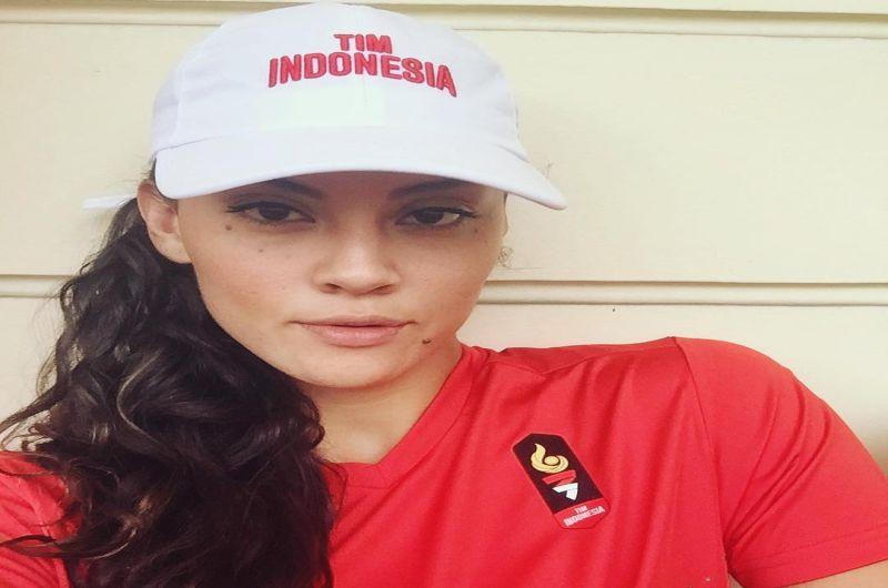 https: img-z.okeinfo.net content 2018 08 30 196 1943776 terpukau-aksi-atlet-jiu-jitsu-simone-julia-blasteran-kanada-indonesia-di-luar-arena-8UjdegK1tc.jpg