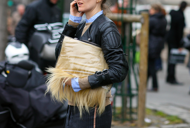 https: img-z.okeinfo.net content 2018 09 07 194 1947350 dikritik-pencinta-lingkungan-burberry-stop-penggunaan-bulu-hewan-HJHmqBcmHQ.jpg