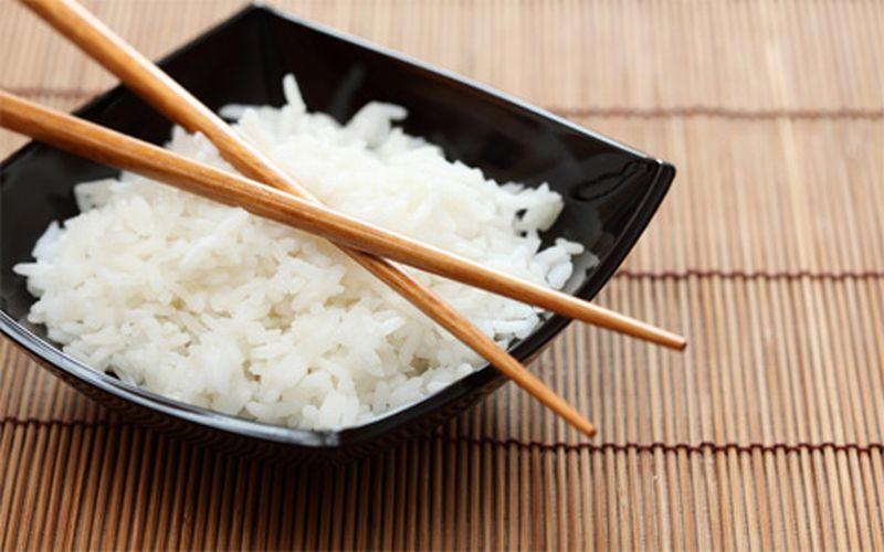 https: img-z.okeinfo.net content 2018 09 12 298 1949246 masak-nasi-kebanyakan-coba-saja-4-kreasi-ini-biar-gak-bosan-LsKm0N1jjN.jpg