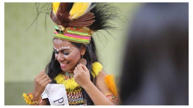 https: img-z.okeinfo.net content 2018 09 13 194 1949763 ellen-aragay-perempuan-papua-pertama-di-final-kontes-kecantikan-internasional-HHruyXip9M.jpg