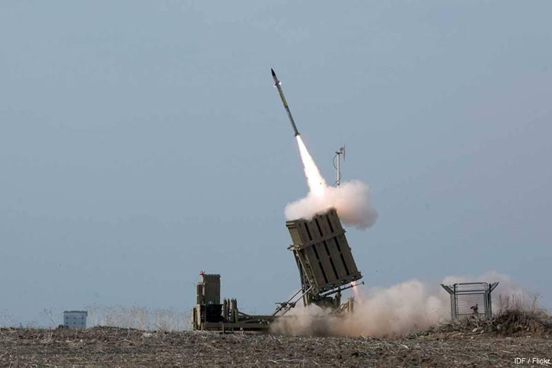 https: img-z.okeinfo.net content 2018 09 14 18 1950351 hubungan-makin-dekat-arab-saudi-beli-sistem-pertahanan-rudal-iron-dome-dari-israel-pUb4t8ID1M.jpg