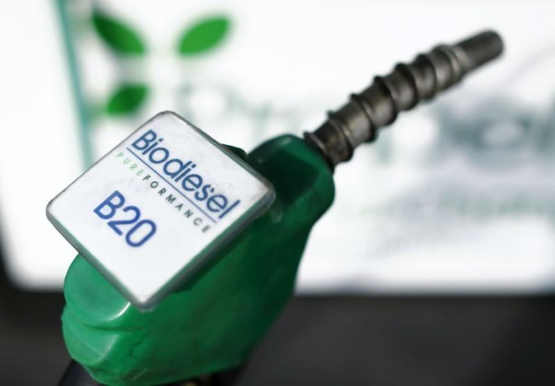 https: img-z.okeinfo.net content 2018 09 14 320 1950387 angkutan-darat-kompak-janji-gunakan-bahan-bakar-biodiesel-20-dQmnOkeqDS.jpg
