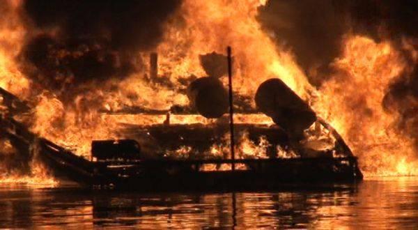 https: img-z.okeinfo.net content 2018 09 14 340 1950677 kapal-terbakar-di-perairan-banggai-laut-dikabarkan-8-orang-tewas-6NZTJAFphy.jpg