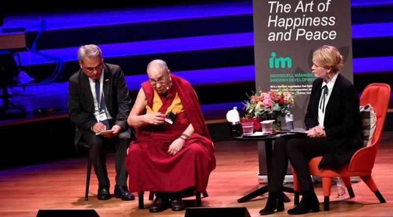 https: img-z.okeinfo.net content 2018 09 16 18 1951223 dalai-lama-akui-tahu-pelecehan-seks-oleh-guru-guru-agama-buddha-zYmmxtlflO.jpg