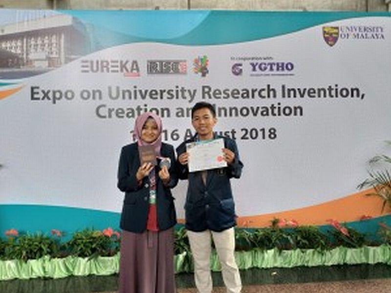 https: img-z.okeinfo.net content 2018 09 16 65 1951173 ciptakan-alat-pendeteksi-bencana-mahasiswa-ub-raih-medali-di-malaysia-DIP7eZbagN.jpg