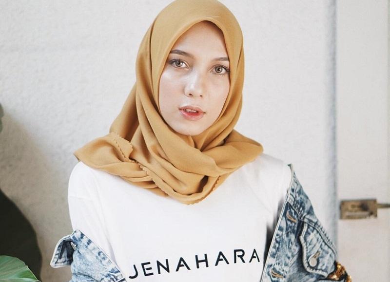 https: img-z.okeinfo.net content 2018 09 21 194 1953537 menanti-koleksi-anyar-jenahara-nasution-di-wonderful-indonesia-culinari-shopping-festival-TpS3O7D4lr.jpg